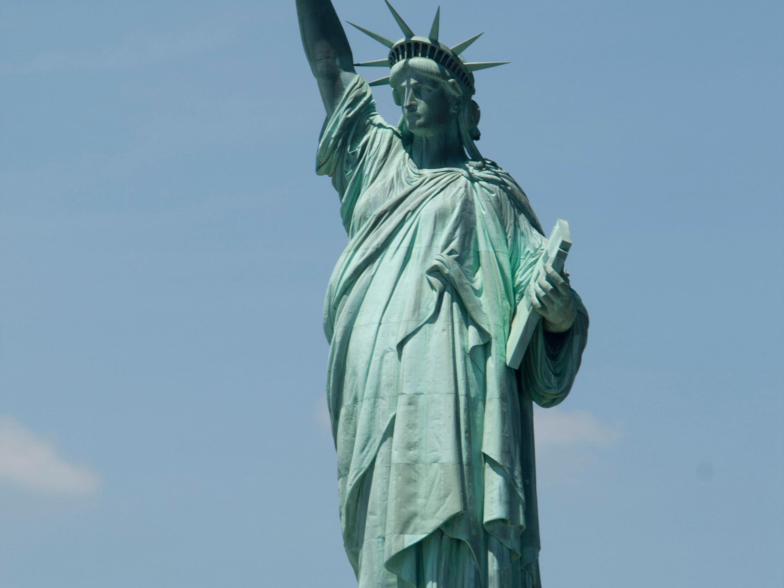 Statue Of Liberty Boat Tours Amp Vacation Packages From New York Boston Washington Dc Toronto Montreal