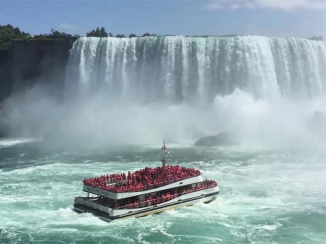 3 day niagara falls toronto thousand islands tour from boston charlton. Black Bedroom Furniture Sets. Home Design Ideas