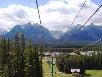 6-Day Vancouver, Canadian Rockies and Hot Springs Tour from Vancouver/Seattle (Winter Tour)