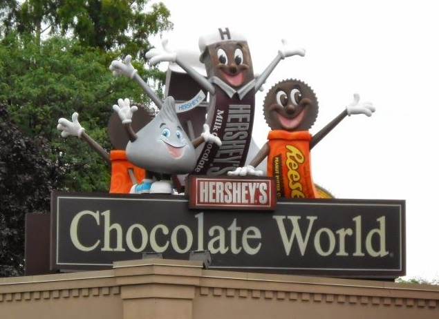 2-Day Christmas Village, Hershey Chocolate World, Eastern State Penitentiary Tour from New York