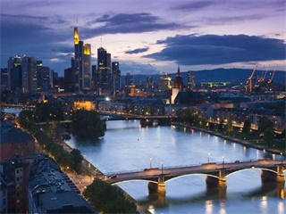 2-14 Day  Rome, Amsterdam, Brussels, Paris, Luxembourg Europe Explorer Flexible Tour from Frankfurt in English