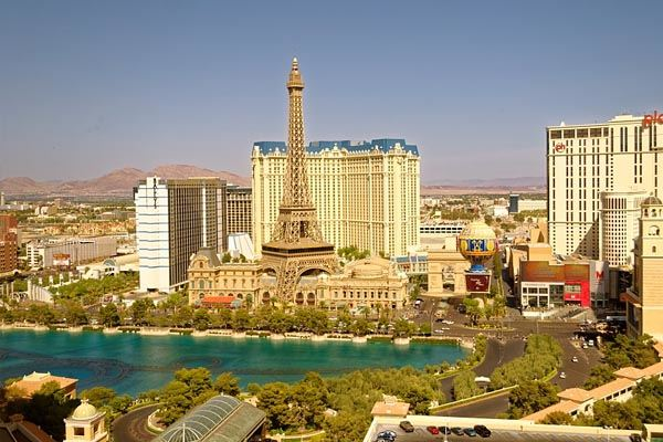 9-Day Theme Parks, Grand Canyon, San Francisco, Las Vegas Tour from Los Angeles