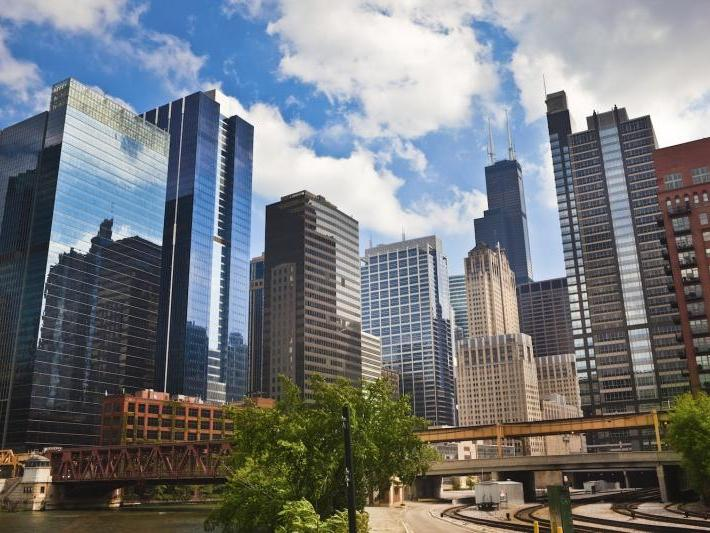 Panoramic and Scenic North Side Tour in Chicago