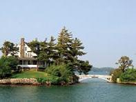 4-Day Niagara Falls, 1000 Islands, Toronto Tour from Boston with Airport Transfers