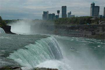 1-Day Fly to Niagara Falls Tour from New York