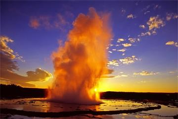 14-Day Yellowstone, Yosemite, Las Vegas, Grand Canyon, Theme Parks, Mt. Rushmore, Antelope Canyon Tour from San Francisco
