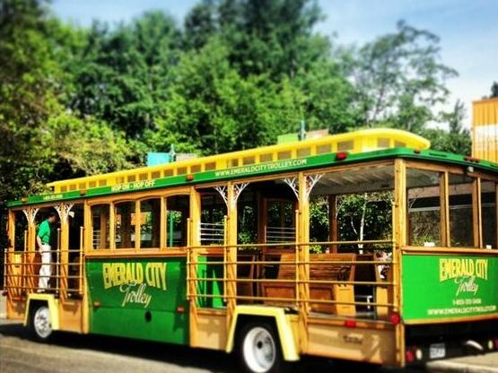 Seattle Trolley Hop on Hop Off Tour