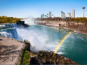 2-Day Toronto, Thousand Islands, Niagara Falls Tour from Montreal