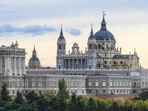 1-Day Royal Palace and Panoramic Tour from Madrid