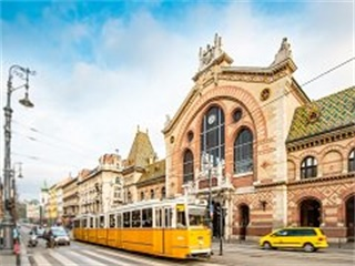 2-7 Day Frankfurt, Prague, Budapest, Vienna, Zurich Central Europe Flexible Tour from Frankfurt in English