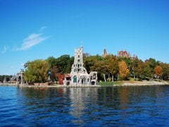 6-Day Toronto, Thousand Islands, Montreal, Ottawa, Niagara Falls Tour from Toronto with Airport Transfers
