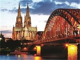 2-21 Day Frankfurt, Budapest, Amsterdam, Paris, Florence Splendid Europe Flexible Tour from Frankfurt in English