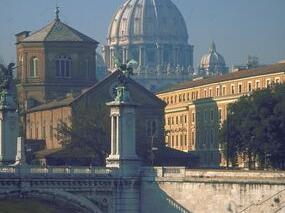 Skip the Line: Semi-Private Vatican Walking Tour