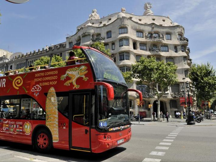Barcelona Hop-On Hop-Off City Bus Tour from Barcelona