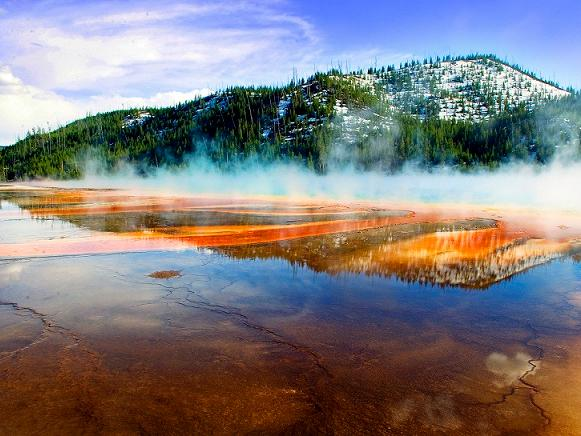 12-Day Yellowstone National Park Overnight, Grand Canyon West, Bryce Canyon, Theme Park Tour from LA with Airport Trans