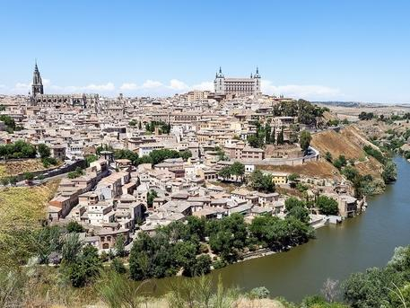 6-Day Caceres and Southern Spain Tour from Madrid