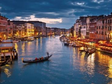 Gondola Ride and Discover Venice Walking Tour