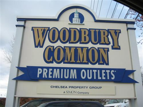 3-Day Woodbury & Crossings Premium Outlets Shopping Tour from Toronto