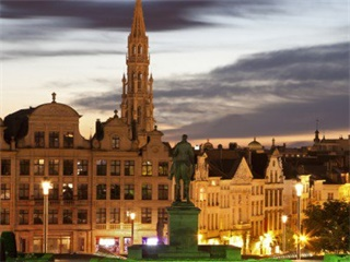 7-Day Frankfurt, Amsterdam, Brussels, Paris, Luxembourg Tour from Frankfurt in English