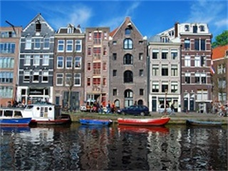 5-Day Luxembourg, Frankfurt, Bonn, Amsterdam, Brussels Tour from Paris in English