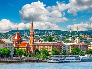 7-Day Prague, Budapest, Vienna, Munich, Zurich Tour from Frankfurt in English