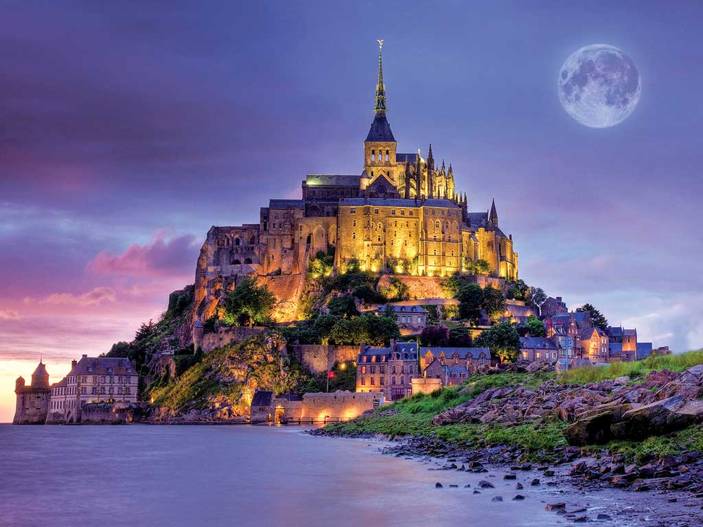 2-Day Giverny, Etretat, Mont-Saint-Michel Tour from Paris