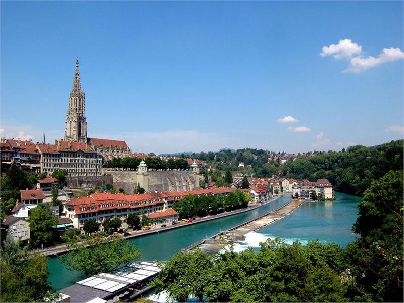 4-Day Switzerland, Geneva, Zurich, Bern Tour from Paris