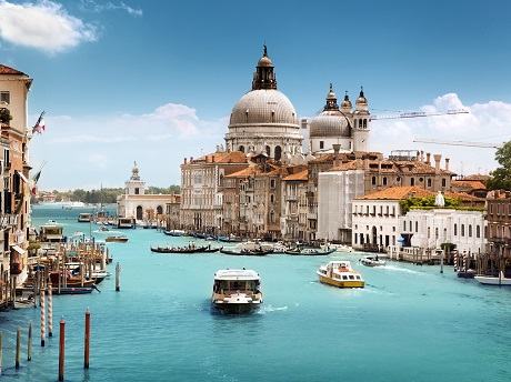 8-Day Fall in love with Mediterranean France Switzerland, Italia and Vatican Tour from Paris