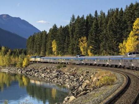 8-Day Canadian Rockies, Rocky Mountaineer Train and Bus Glorious Tour from Vancouver/Seattle