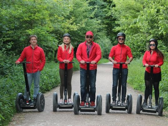 Bois de Boulogne Picnic with Louis Vuitton Segway Tour from Paris