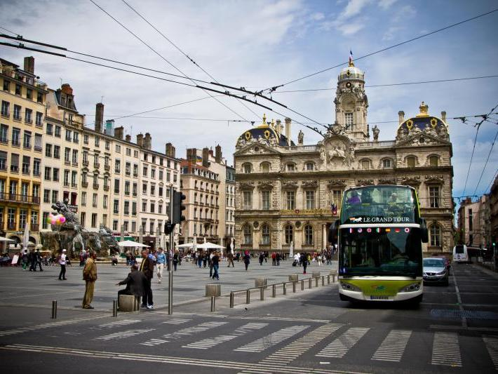 2 day hop on hop off lyon city bus tour. Black Bedroom Furniture Sets. Home Design Ideas