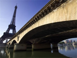 Essential Paris City Tour plus Lunch at the Eiffel Tower