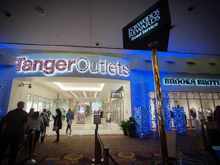 Foxwoods Resort Casino and Tanger Outlets One Day Tour from Malden/Boston