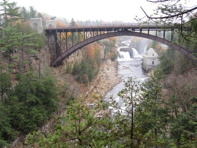 2-Day Whiteface Mountain, Ausable Chasm Fall Foliage Tour from Boston