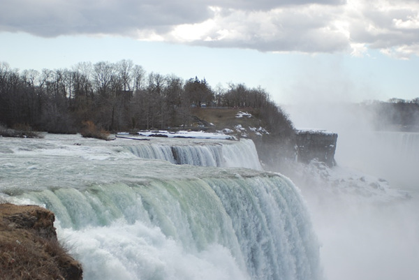 6-Day Chicago, Toronto, Niagara Falls Tour from Chicago with Airport Transfers