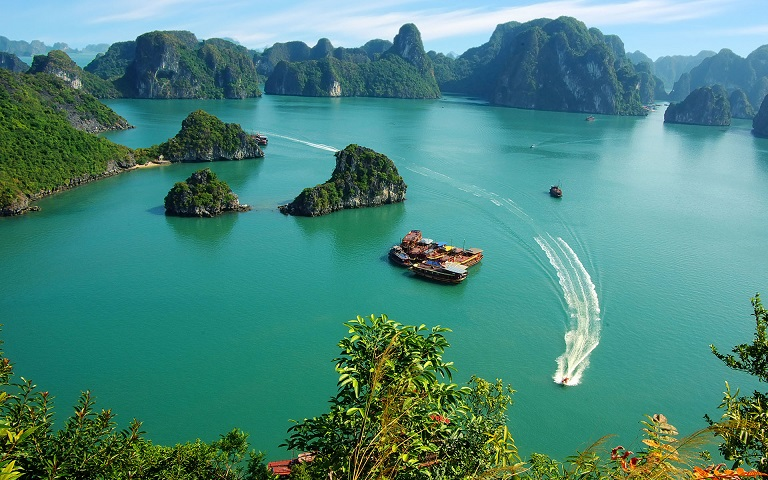 2-Day Spectacular Ha Long Bay Tour