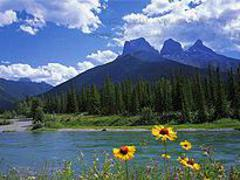 4-Day Rocky Mountains, Banff, Lake Louise, Icefield, Mt. Robson, Vancouver Tour from Calgary, Vancouver Out