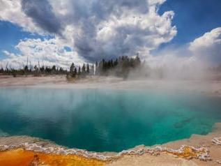 8-Day Yellowstone, Yosemite, Donner Lake, Twin Falls and Antelope Canyon Tour from Los Angeles/San Francisco