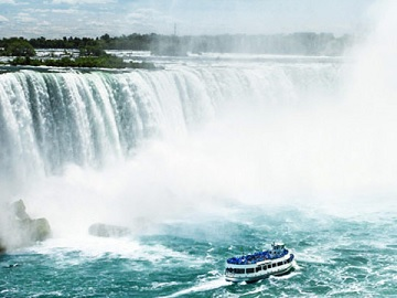 2-Day Niagara Falls Overnight Tour from New York