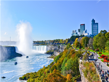 5-Day Toronto Niagara Falls Special Tour from Toronto with Airport transfer