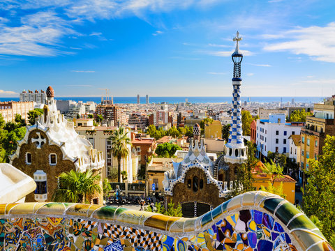 Skip the Line: Guided Tour of La Sagrada Familia, Park Guell and Transfer from Barcelona