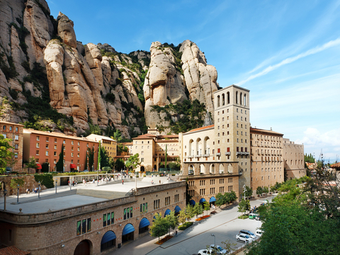 Montserrat Full Day with Brunch Tour from Barcelona