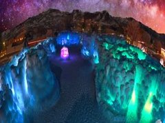 1-Day Merrimack Outlets, Ice Castle Tour from Boston