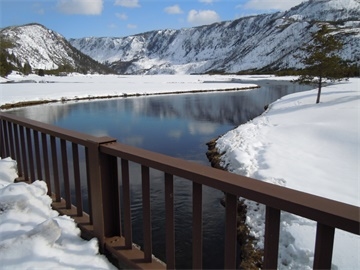 3-Day Yellowstone Winter Snowcoach/Snowmobile Tour from Salt Lake City