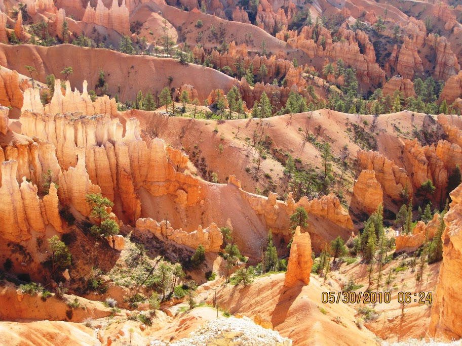 9-Day Antelope Canyon, Bryce Canyon, Lake Powell, Yellowstone and Grand Canyon West Rim Tour from Los Angeles/Las Vegas