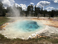 13-Day Yellowstone, Spokane, Grand Teton National Park, Crater Lake, Olympic Tour from Seattle with Airport Transfers