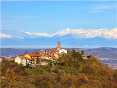 6-Day Gourmet Holidays on Piedmont Hills Self-drive Tour from Turin