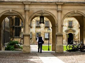 1-Day Oxford and Cambridge Universities Tour from London