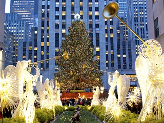 3-Day New York, Christmas Village, Chocolate World, Sesame Place Tour from Boston, New York Out