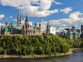 7-Day Ottawa, Quebec City, Thousand Islands, Niagara Falls In-Depth Winter Tour from Toronto